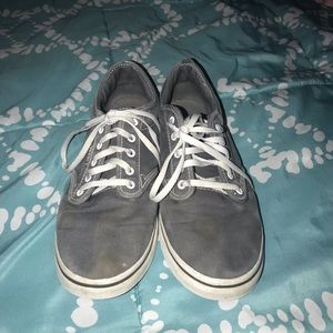 GRAY VANS (DO NOT BUY)